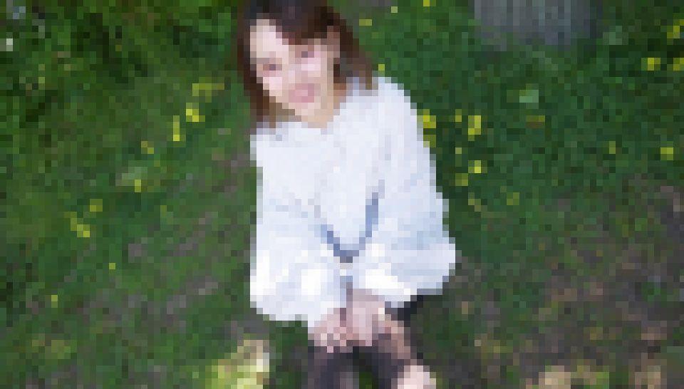 【入手困難】卒業したばかり。禁断の18歳美女♪連続の初体験。148?低身長のあどけない娘をハメ撮りしたココにしかない奇跡の動画 《完全素人》のりんちゃん 画像