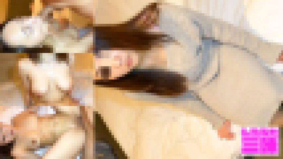 巨乳お姉さんとハメ撮り!フェラ抜き口内射精からのおっぱいぶるんぶるんハメ撮り! 巨乳素人娘 画像