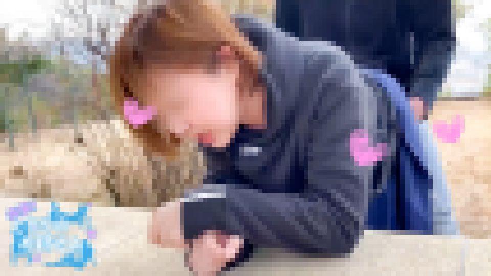 神社の境内で地面がビショビショに濡れるまで潮吹きするエッチな素人お姉さんを白昼堂々ハメ撮り強制中出し!! 匿名 画像