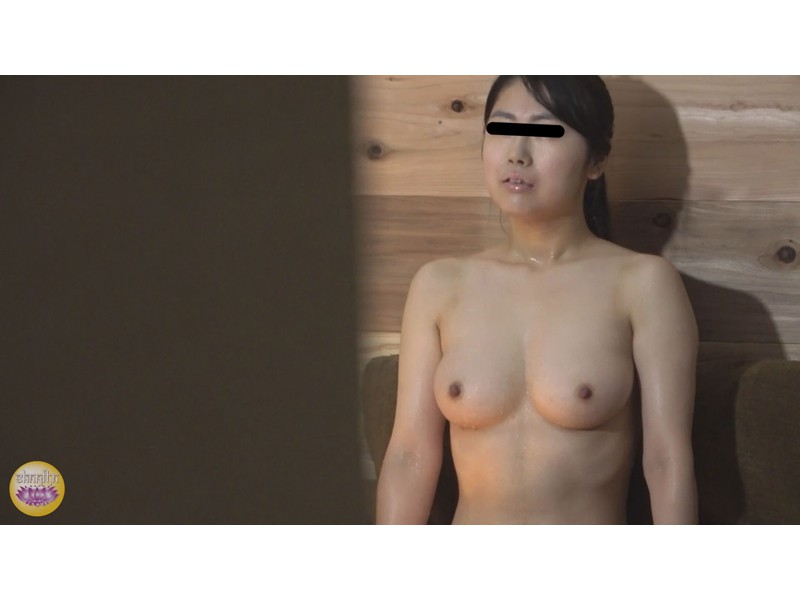 サウナ汗濁駆け込み 全裸大放尿 サンプル画像