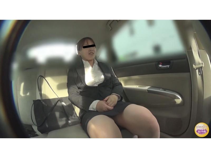 社内盗撮 便秘女の糞闘記録  硬い便と下剤軟便の日 サンプル画像