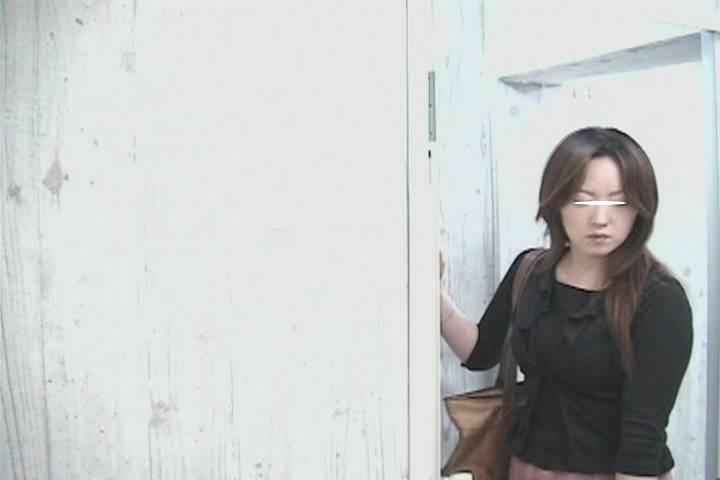 股間どアップ! 女子トイレマルチアングル #80